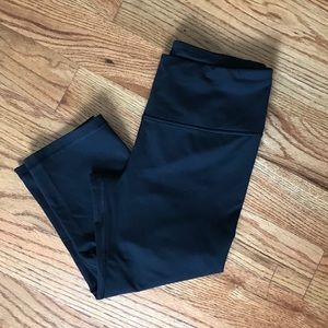 Victoria's Secret Knockout Black Crop Legging